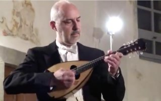 ugo orlandi plays vivaldi